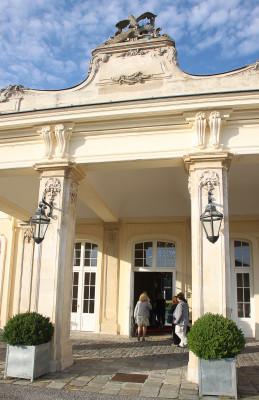 Schlosstheater Laxenburg, Eingang