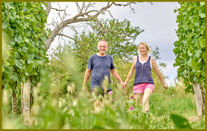 Rosi & Karl Hindler im Weingarten