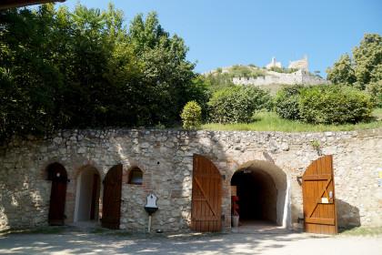 Heuriger im Schlosskeller