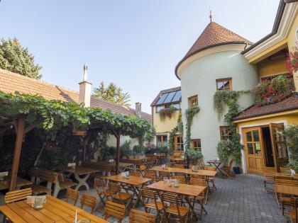 Weingut Herzog, Innenhof, Bad Vöslau, Brunngasse