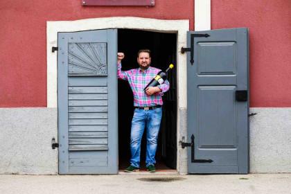 Winzer Martin Moser lädt donnertags in den Heurigen des Weinguts.