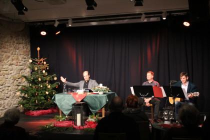 Weihnachtliche Lesung mit Georg Kusztrich