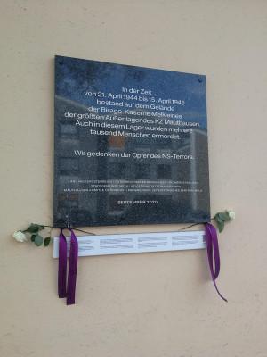 Gedenktafel an der Außenwand der Biragokaserne Melk.