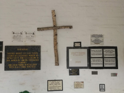 Gedenktafeln in der KZ-Gedenkstätte Melk