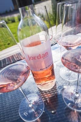 Erfrischende Weine im Weingut Jordan