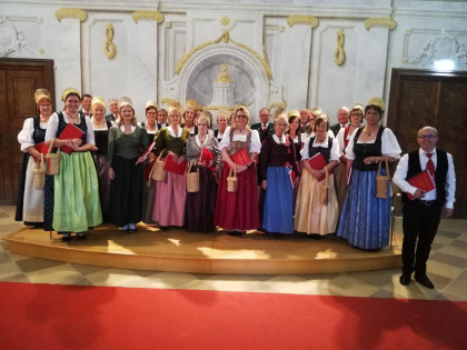 Chor der Wachauer Trachtengruppe Dürnstein