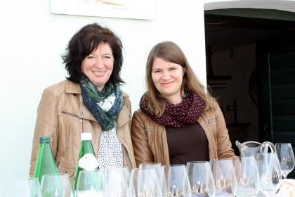Irene Luckner & Karin Bayer begrüßen Sie in der Kellergasse!