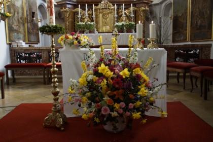 Osterstrauch in der Pfarrkirche Loiben