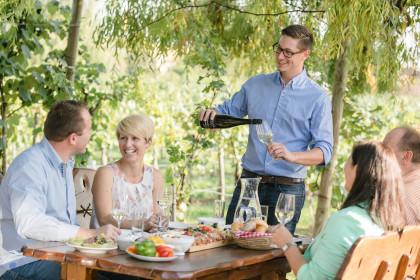 Heuriger im Weingarten