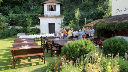 Gastgarten in der Kellergasse Gstetten