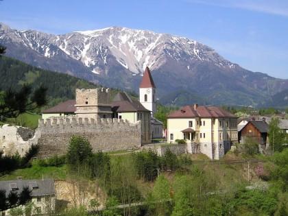 Kirche und Burg