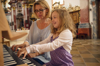Klavier & Orgel Kinder, Musikliebhaber, Studierende