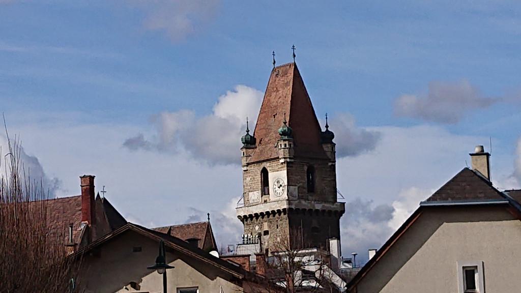 Perchtoldsdorf - Von der Spitalkirche zum Wehrturm geführter Spaziergang durch den Ort