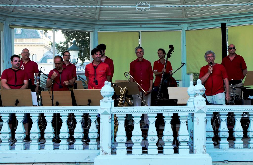 ABGESAGT! Jazzfrühstück Baden. The Royal Flush Orchestra vor der Römertherme