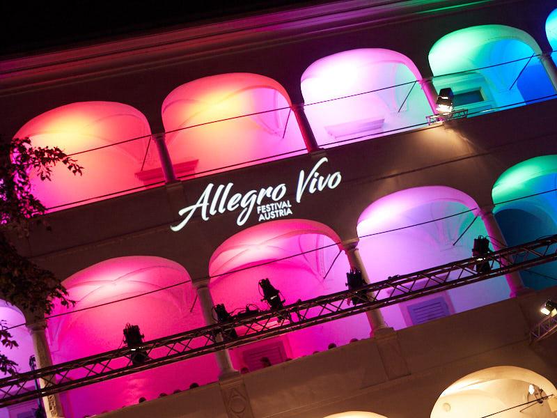 Allegro Vivo »Leggiero«