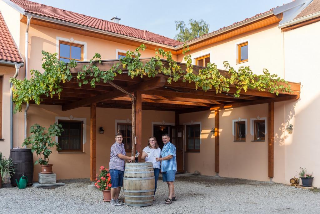 Alles über Austropop im Weinhof Ettenauer