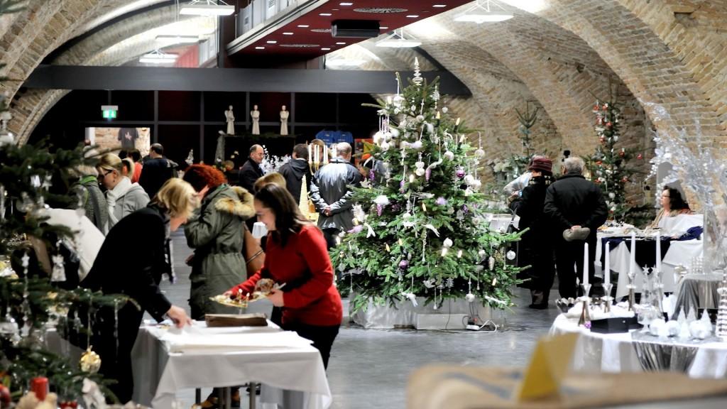 Adventmarkt im Brunnensaal