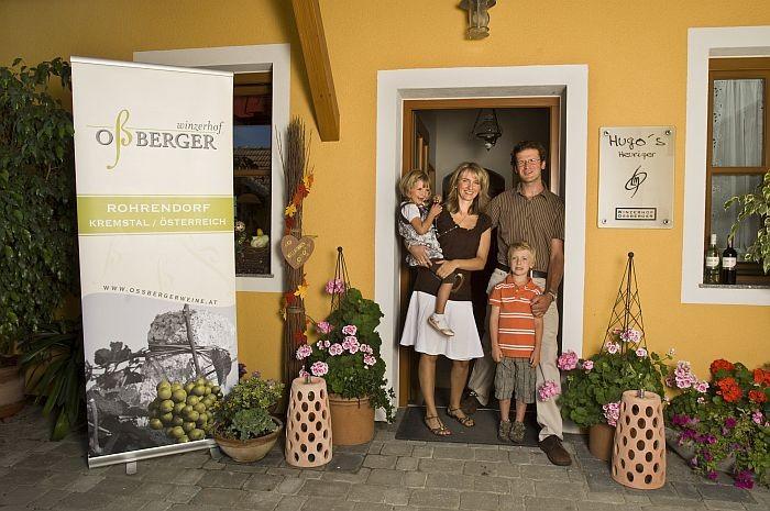 Die Familie Oßberger freut sich auf Ihren Besuch!