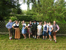 in Tracht