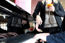 Pianobar Linsberg Asia