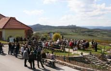 Großer Andrang beim Krustettner Weinfrühling