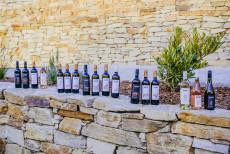Großes Weinsortiment im Weingut Hagenbüchl