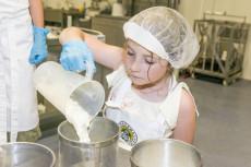 Käseherstellung in der Minikäserei