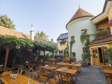 Innenhof | Weingut Herzog | Brunngasse, Bad Vöslau