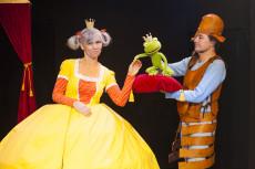 Die Froschkönigin, Theater Asou