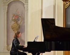 Pianistin Ines Schüttengruber