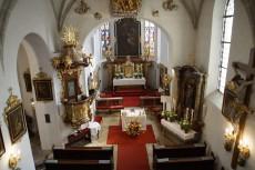 Blick vom Chor in die Pfarrkirche Unterloiben