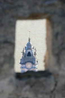 Blick von der Ruine auf den Stiftsturm Dürnstein