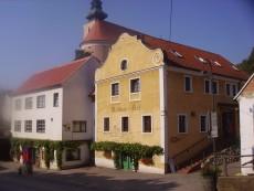 Heuriger und Weingut VeltlinerHof - Familie Rieder