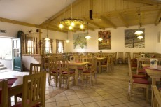 Das gemütliche Heurigenlokal bietet auch Platz für Feste jeder Art.