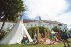 Das Indianerlager im Kapitelgarten erinnert an die Wurzeln des Festes.