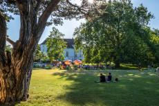 Lauschige Stimmung bei der Vöslauer Schlosspark Lounge